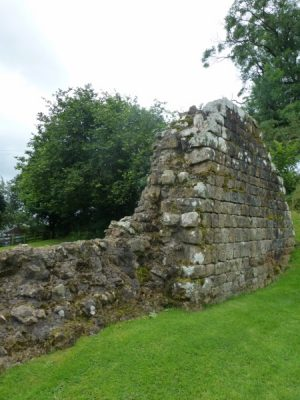 Un pan de mur reconstruit à l'époque victorienne