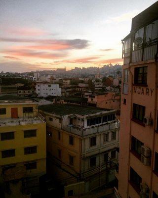 Un lever de soleil à Tananarive, Madagascar