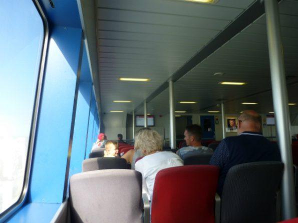 L'intérieur de l'un des ferrys