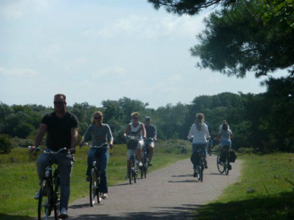 Une section du sentier avec de nombreux cyclistes