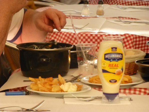 Un plat de moules-frites