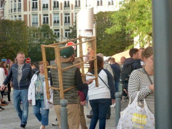 Transport de meuble à la braderie de Lille