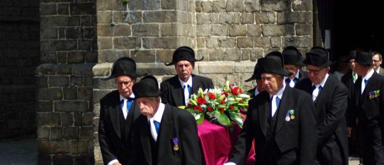 Article : 9 siècles plus tard, les Charitables de Saint-Éloi sont toujours en charge des inhumations