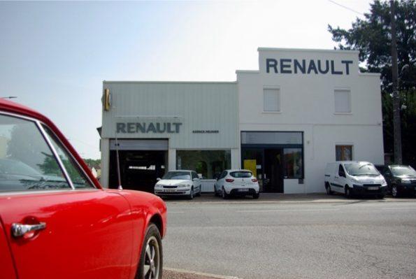 Ce garage Renault a conservé sa façade d'époque ©Clara Delcroix