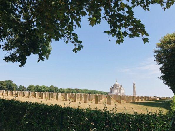Notre-Dame-de-Lorette et son cimetière militaire ©Clara Delcroix
