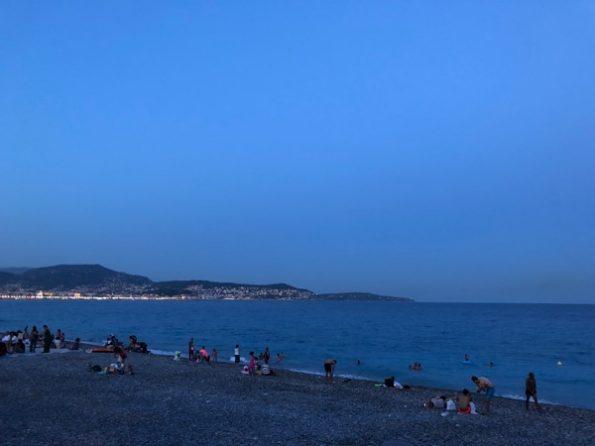 La plage à Nice ©Clara Delcroix
