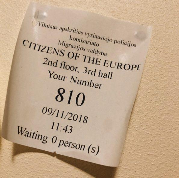 Pour les services de migration, je suis le n°810, citoyenne de l'Europe © Clara Delcroix
