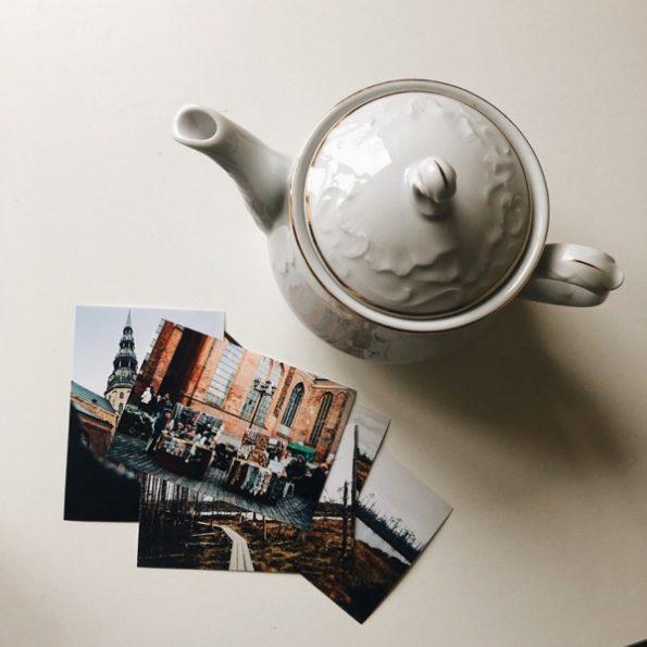 Les photos imprimées et mon nouvel investissement : une théière © Clara Delcroix