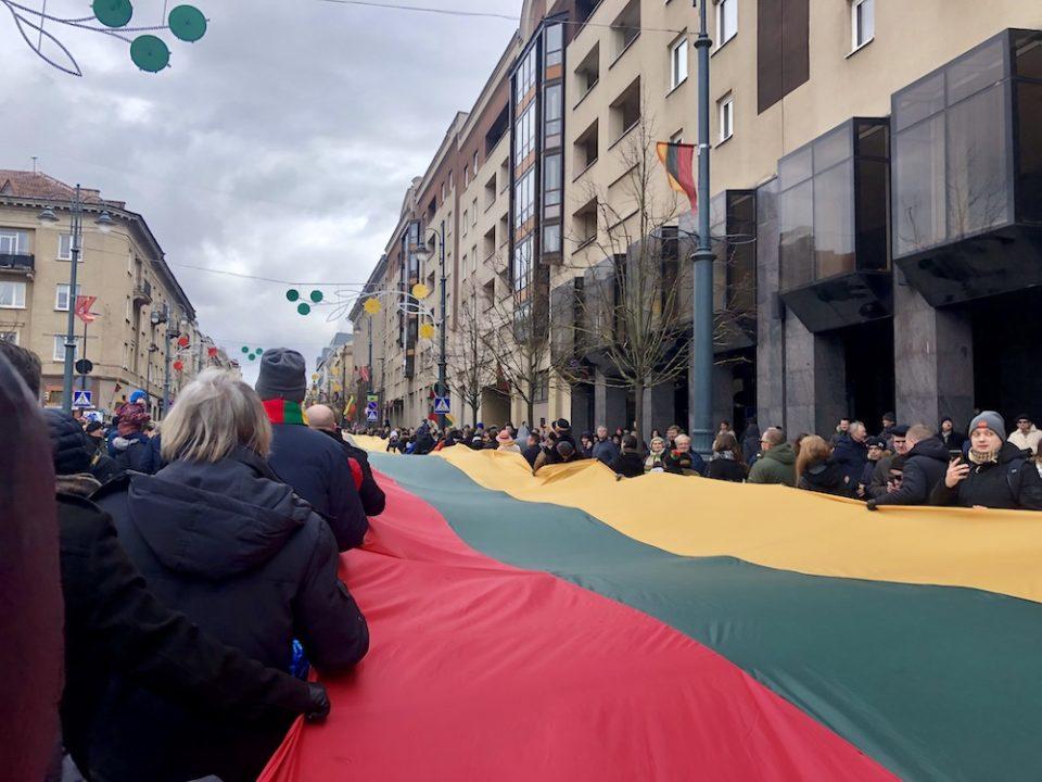 drapeau lituanien vilnius gedimino