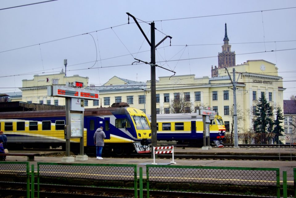 Sur les quais de la gare de Riga ©Clara Delcroix