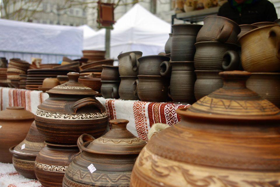 Un stand de poteries © Clara Delcroix