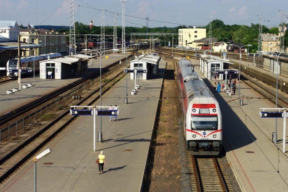 Pour des trajets plus éloignés, le train est bon marché en Lituanie (surtout avec un tarif étudiant) © Clara Delcroix