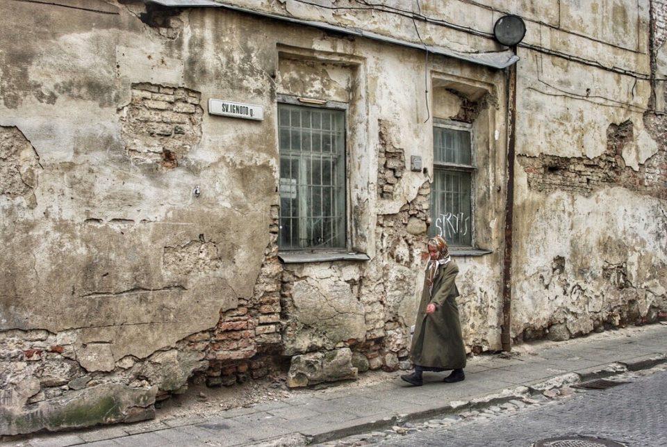 Dans les rues de la vieille ville de Vilnius © Clara Delcroix