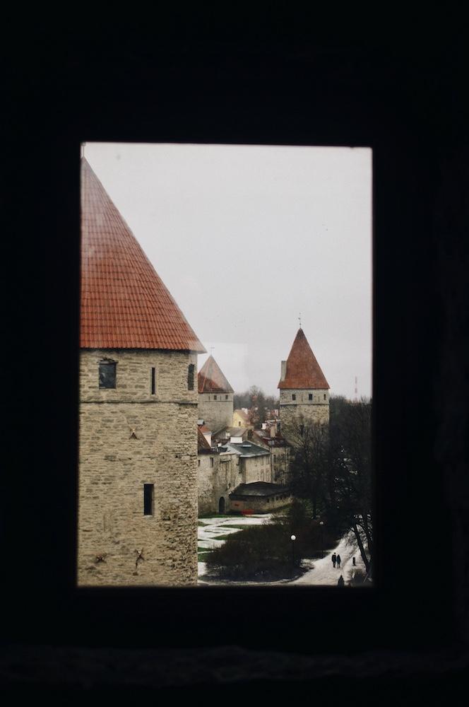 Murs de Tallinn, Estonie © Clara Delcroix