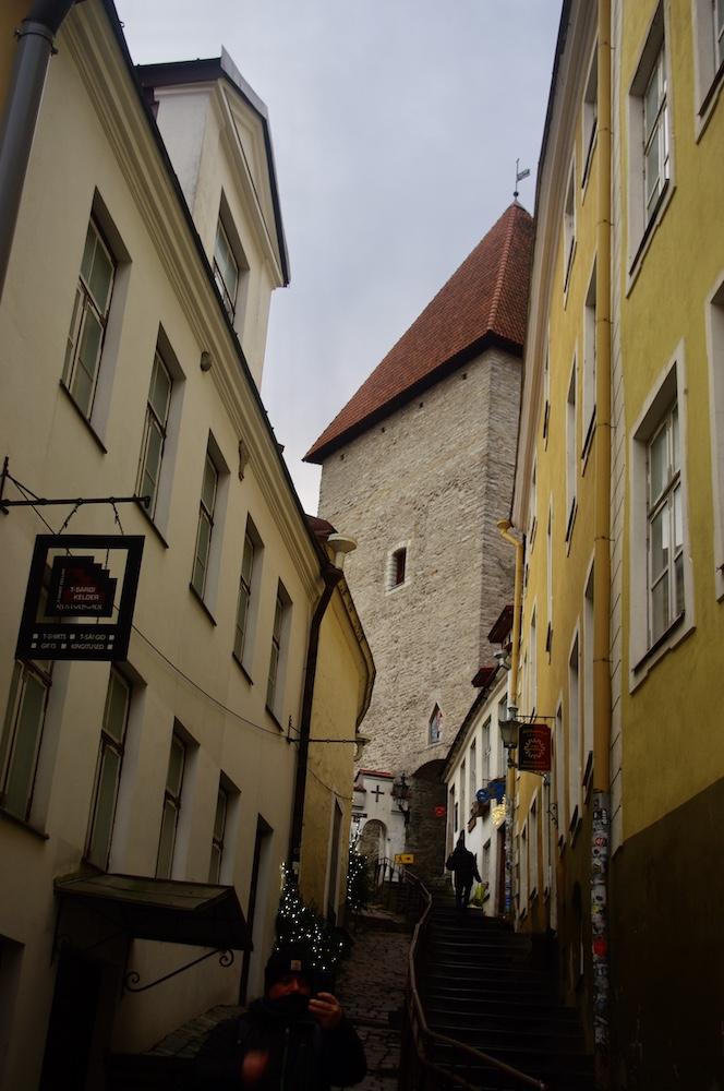 Rue de Tallinn, Estonie © Clara Delcroix