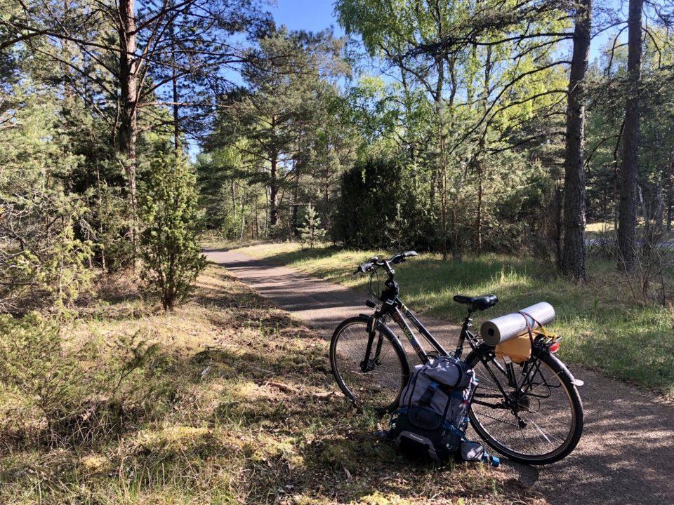 À vélo, on va plus loin ;) Ici sur l'isthme de Courlande © Clara Delcroix