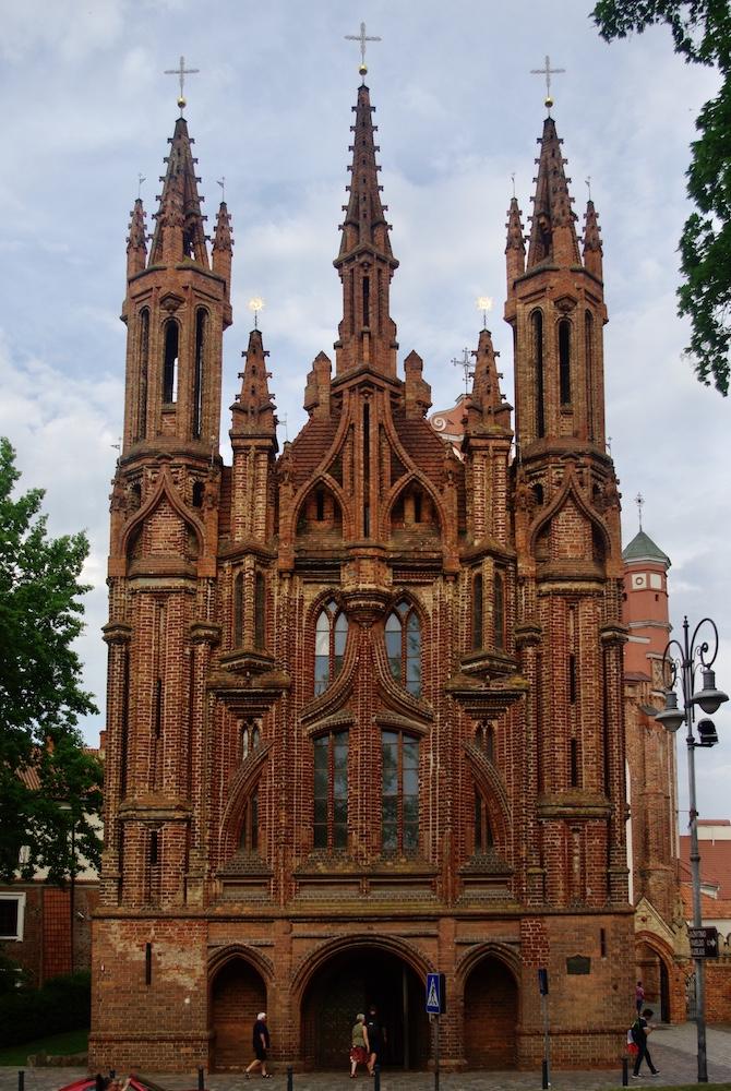 Église Sainte-Anne de Vilnius © Clara Delcroix